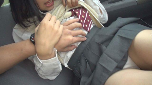 65歳無職男性が女子高生を車に連れ込む