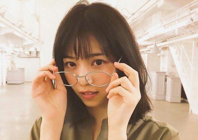 西野七瀬 メガネ 画像