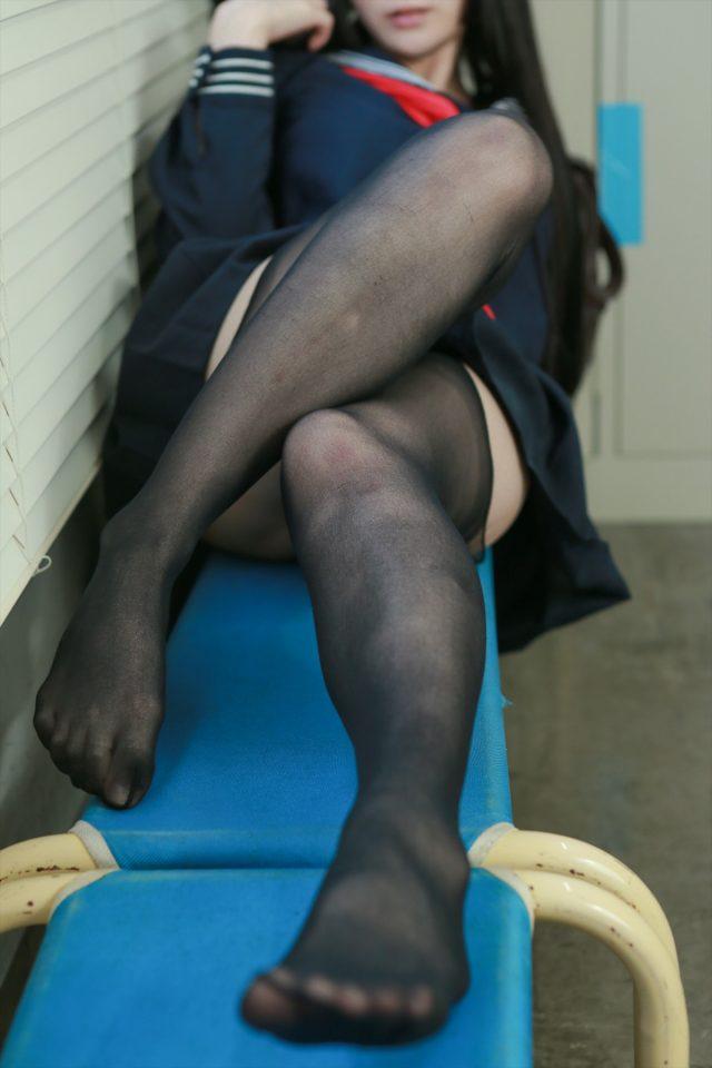 コスプレイヤー るしゃ 黒ストッキング セーラー服 コスプレ エロ画像