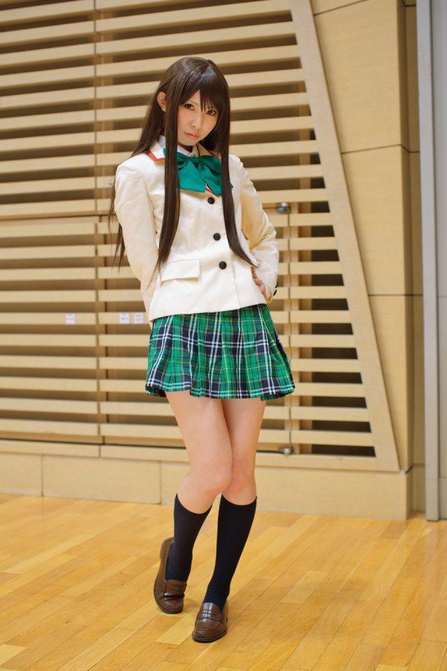 コスプレイヤー璃波(りなみ) パンツが見えそうなミニスカがエロい! 『ToLoveる』 古手川唯のハレンチな制服コスプレ画像