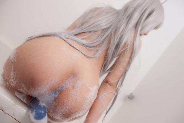 早乙女らぶ 無修正のアナルに乳首がエロい 『這いよれ!ニャル子さん』 ニャル子のコスプレ画像