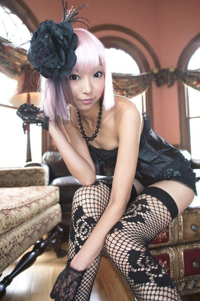 コスプレイヤー 猫子 網タイツやセクシーな下着がエロい アメリカンポリスのコスプレ画像