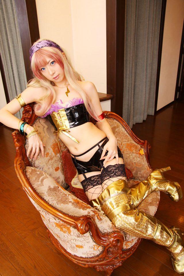 コスプレイヤー 桜井さち 網タイツにエナメルパンツがエロい 『マクロスF』 シェリルのコスプレ画像
