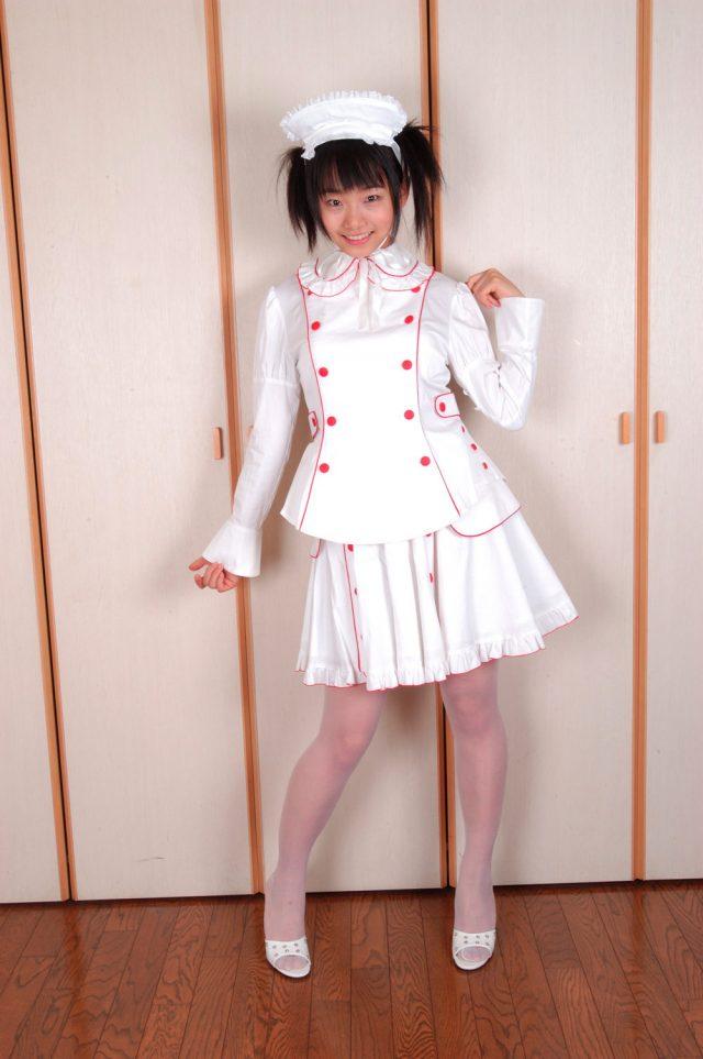 コスプレイヤー 松永亜矢香 白のパンチラに透け透けのニーハイがエロい ナースのコスプレ画像