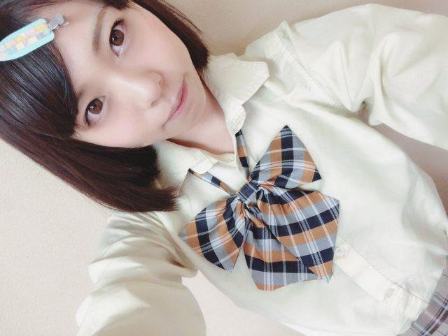 七海ゆあ リボンが可愛い JK制服コスプレ画像
