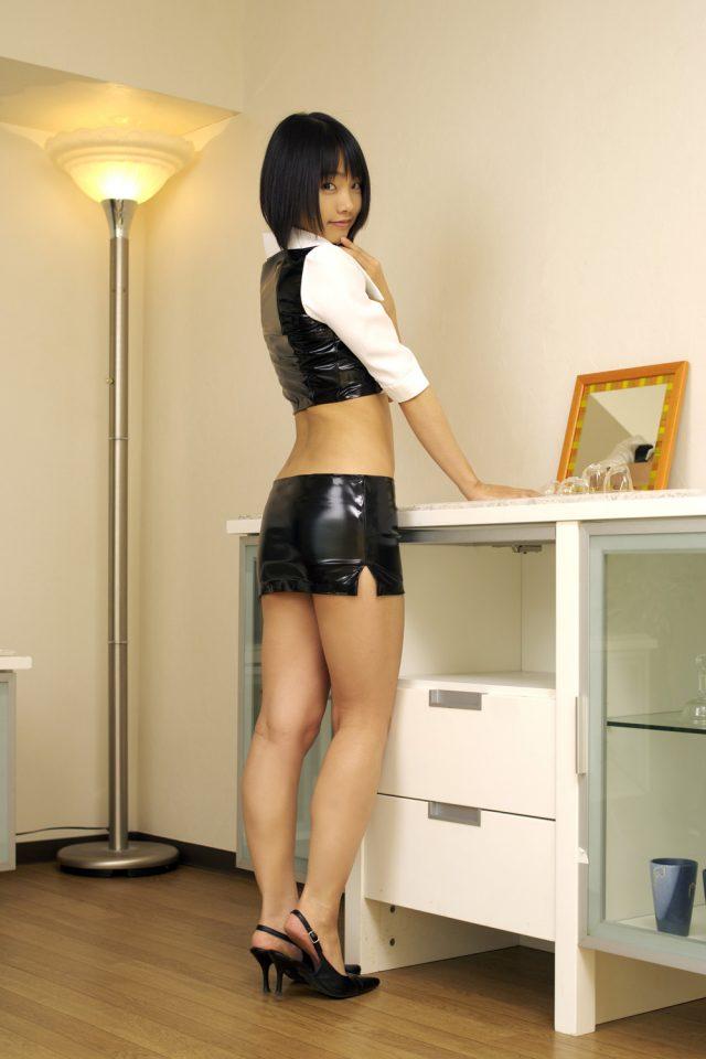 コスプレイヤー 松永亜矢香 露出の激しいミニスカ衣装がエロい 『リオデカーニバル』 リオのコスプレ画像