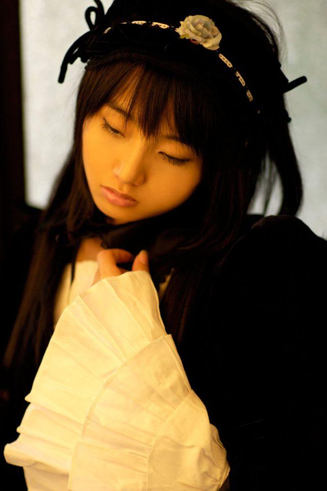 コスプレイヤー 松永亜矢香 ロングスカートから覗く太ももがエロい 『ローゼンメイデン』 水銀燈のコスプレ画像