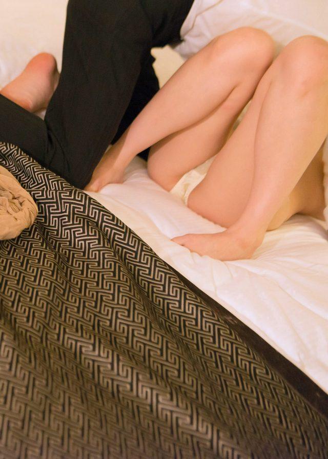 セクシー女優 なつめ愛莉 下着姿や全裸でセックスがエロい OLコスプレ画像