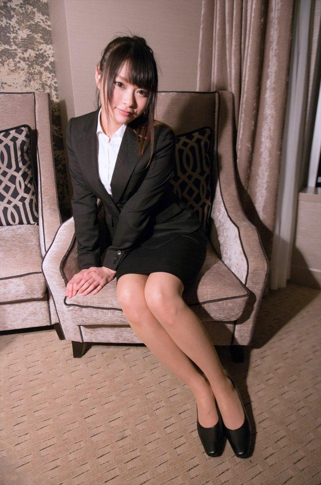 セクシー女優 なつめ愛莉 OLコスプレ画像