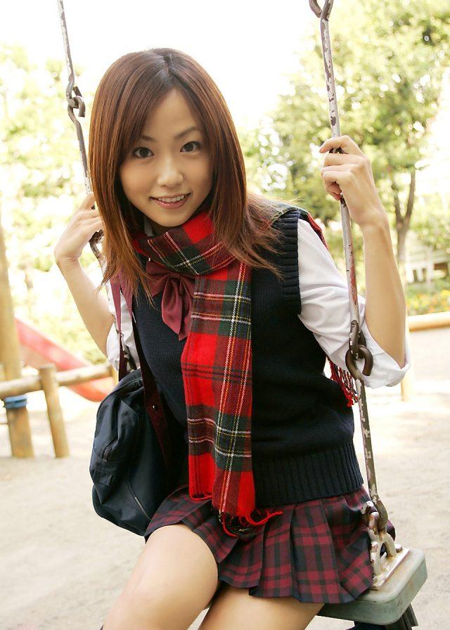 セクシー女優 二宮沙樹 JK制服のコスプレ 画像