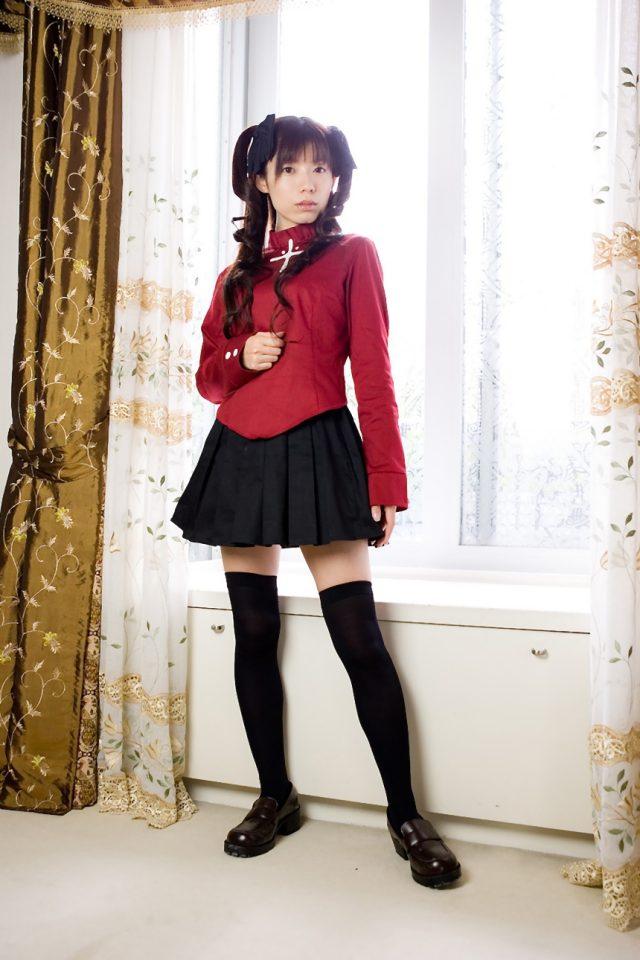 コスプレイヤー 乾曜子 『Fate stay night』 遠坂凛のコスプレでミニスカにニーハイがエロい画像