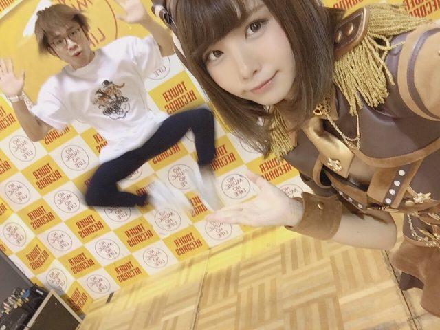 えなこ OOps!! 発売記念イベント タワーレコード新宿・渋谷 ステージ衣装のコスプレ画像