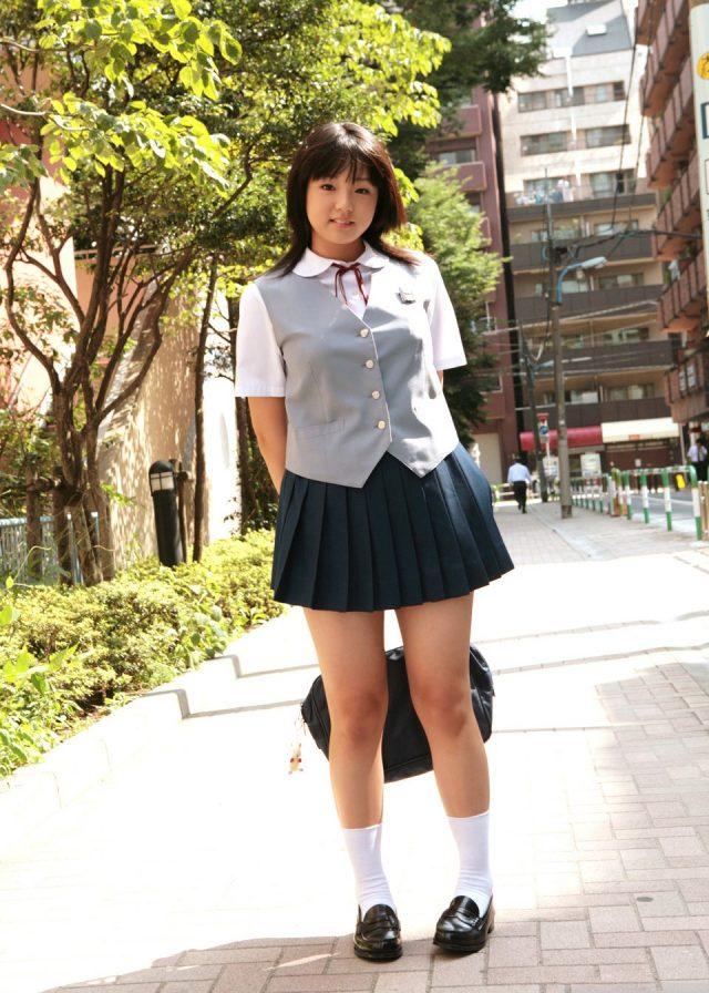 篠崎愛 JC制服コスプレ画像