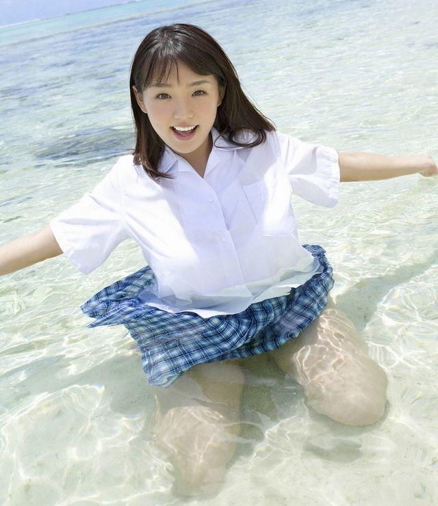 篠崎愛 JK制服(夏服)のコスプレ 画像