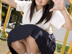 【画像】篠崎愛 女子高生の制服コスプレで巨乳やムチムチな体がエロいまとめ