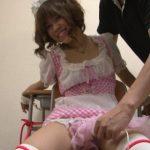 メイド喫茶で働く美少女が椅子に拘束されてエッチなイタズラされちゃう動画 画像