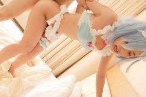 泉りおん レムのコスプレした美少女がバックから突かれて中出しされる動画 画像